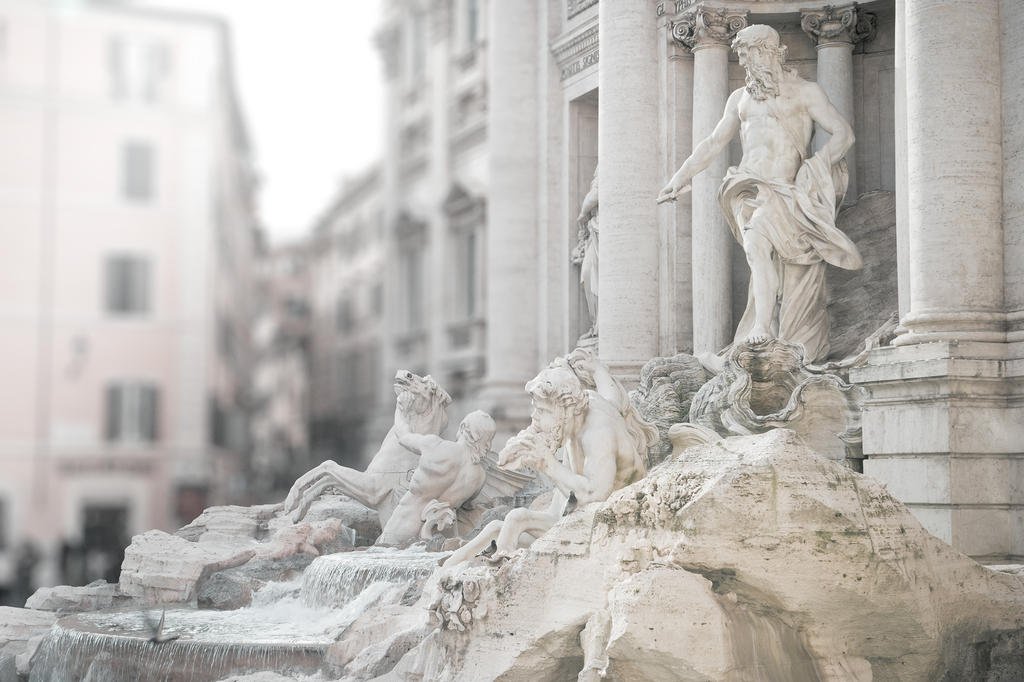 Fontana di Trevi by AlexGutkin