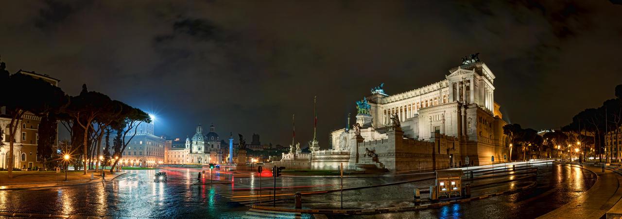 Piazza Venezia by AlexGutkin