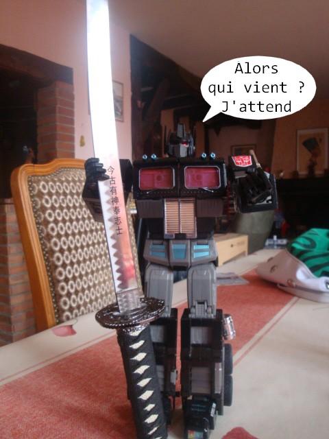 Vegeto / Optimus SG  collection (partie 1) - Page 4 Mon_grand_gardien_et_sa_nouvelle_arme_2_by_radimusprime-d4ro4uk