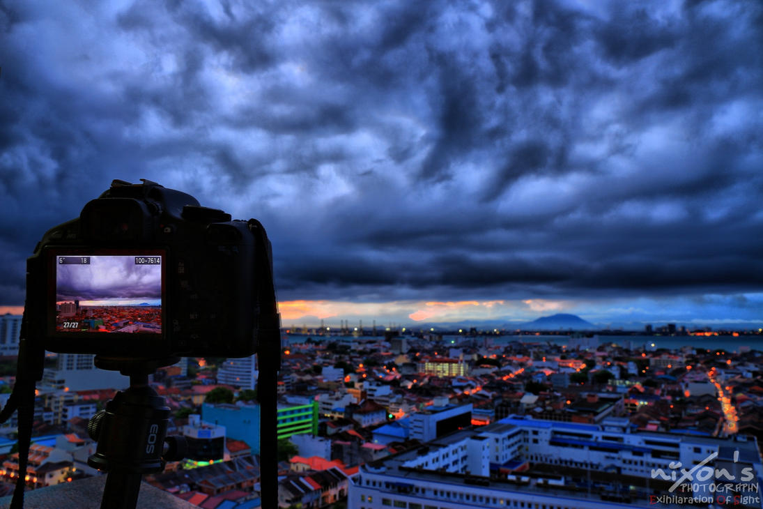 Shot of the sunrise before the storm by fighteden
