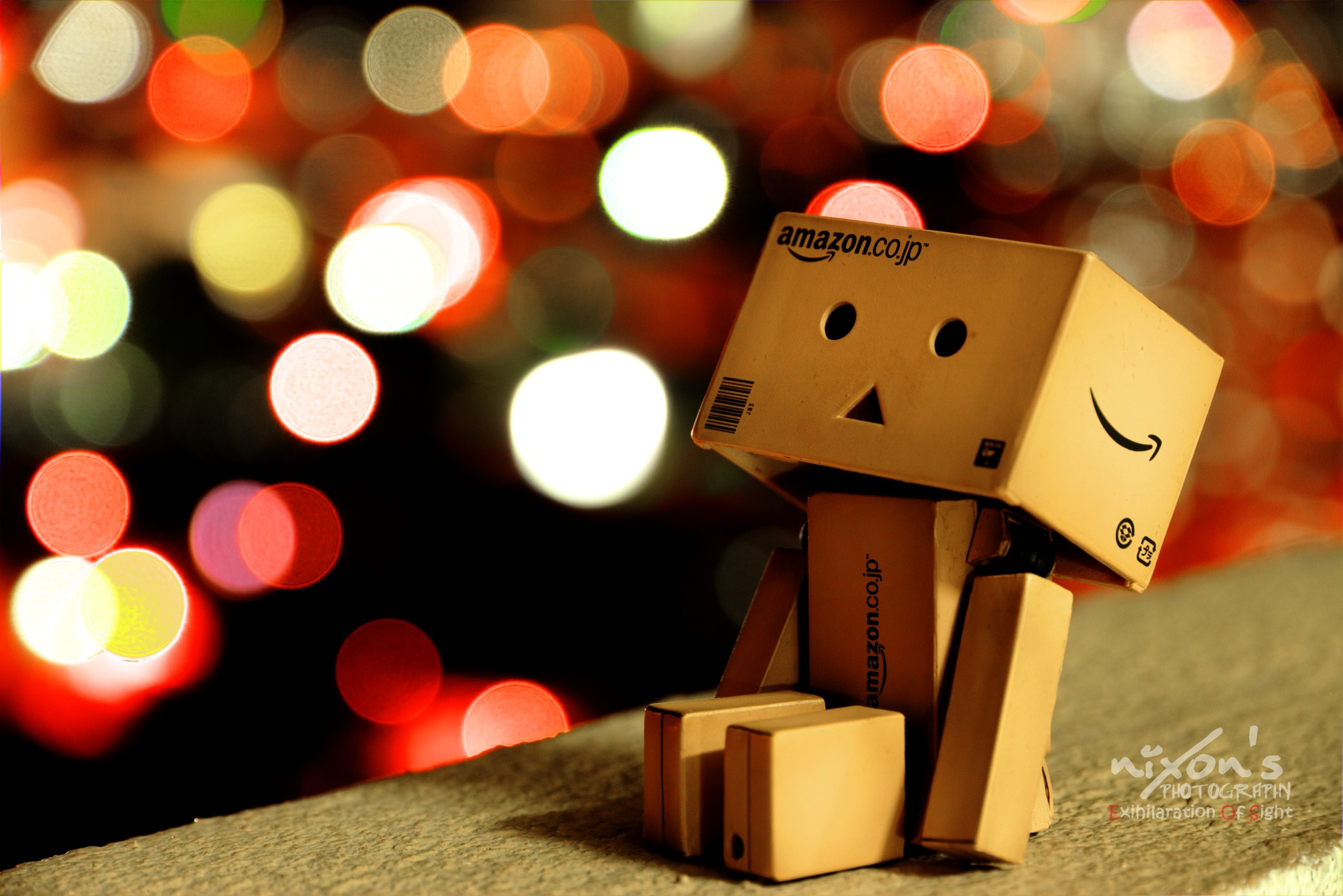 Danbo looking up in the sky of Penang by fighteden