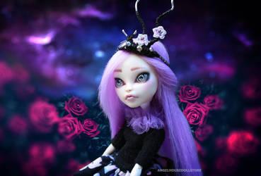 Mabell - OOAK Monster High Wallpaper
