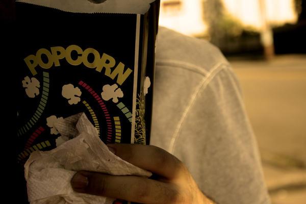"""Obrázek """"http://fc02.deviantart.com/fs21/i/2007/237/b/2/Popcorn_by_thewonderwall.jpg"""" nelze zobrazit, protože obsahuje chyby."""