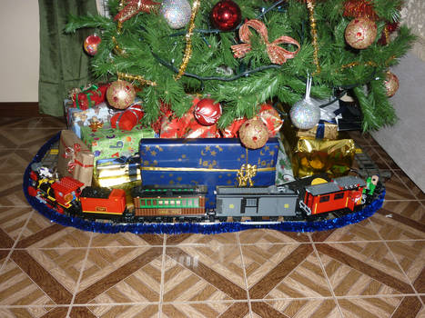 Lego Toy Story 3 Christmas Train 2