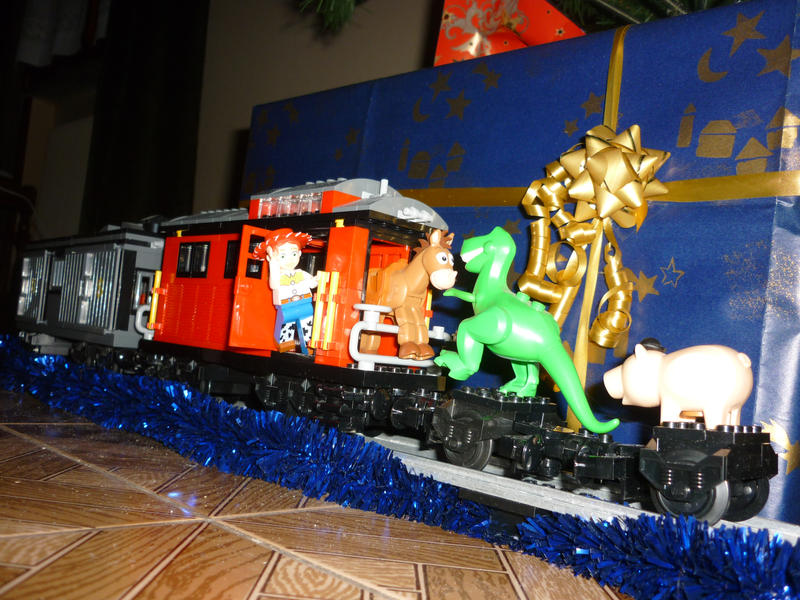 New Toy Story 3 Train : Lego toy story christmas train by commanderp on