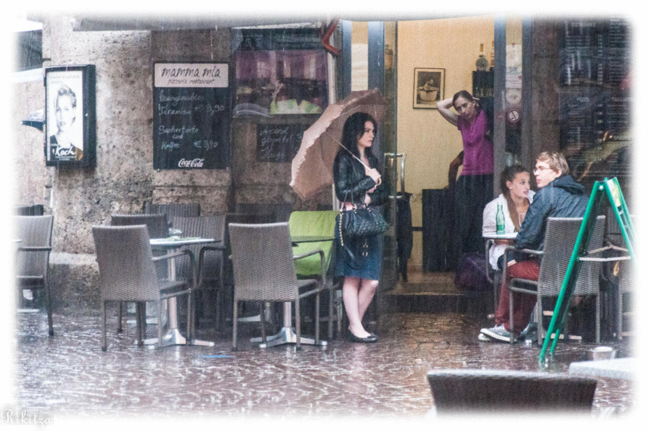 painting of Innsbruck under rain by Rikitza