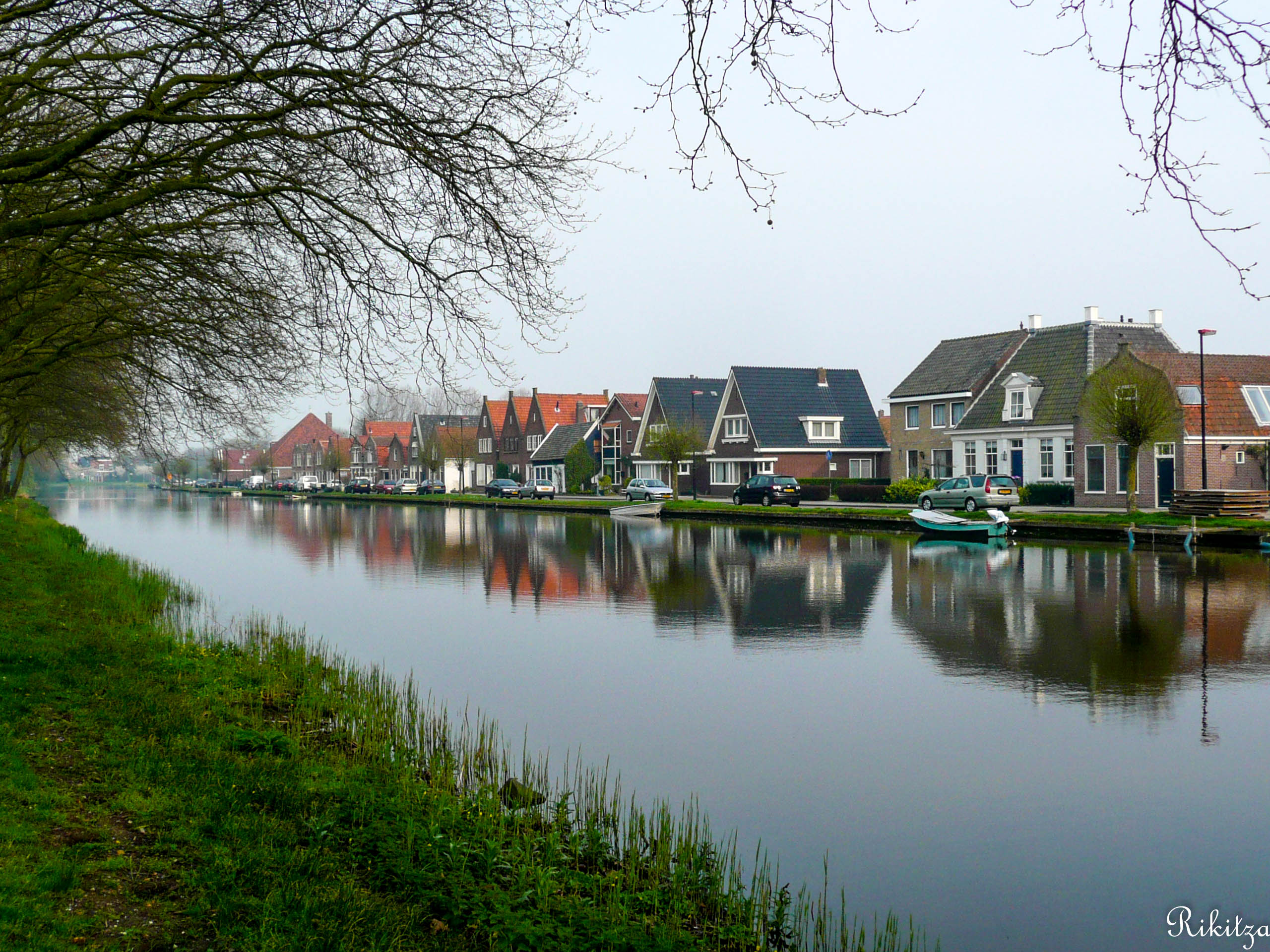 essential Holland by Rikitza