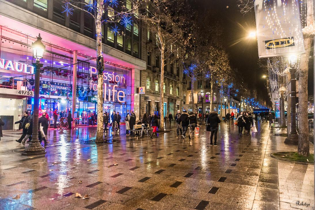 rainy evening on the Champs by Rikitza