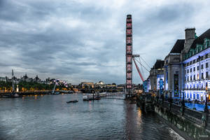 evening on the Thames by Rikitza