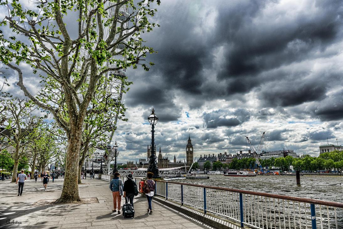 London - photo painting by Rikitza