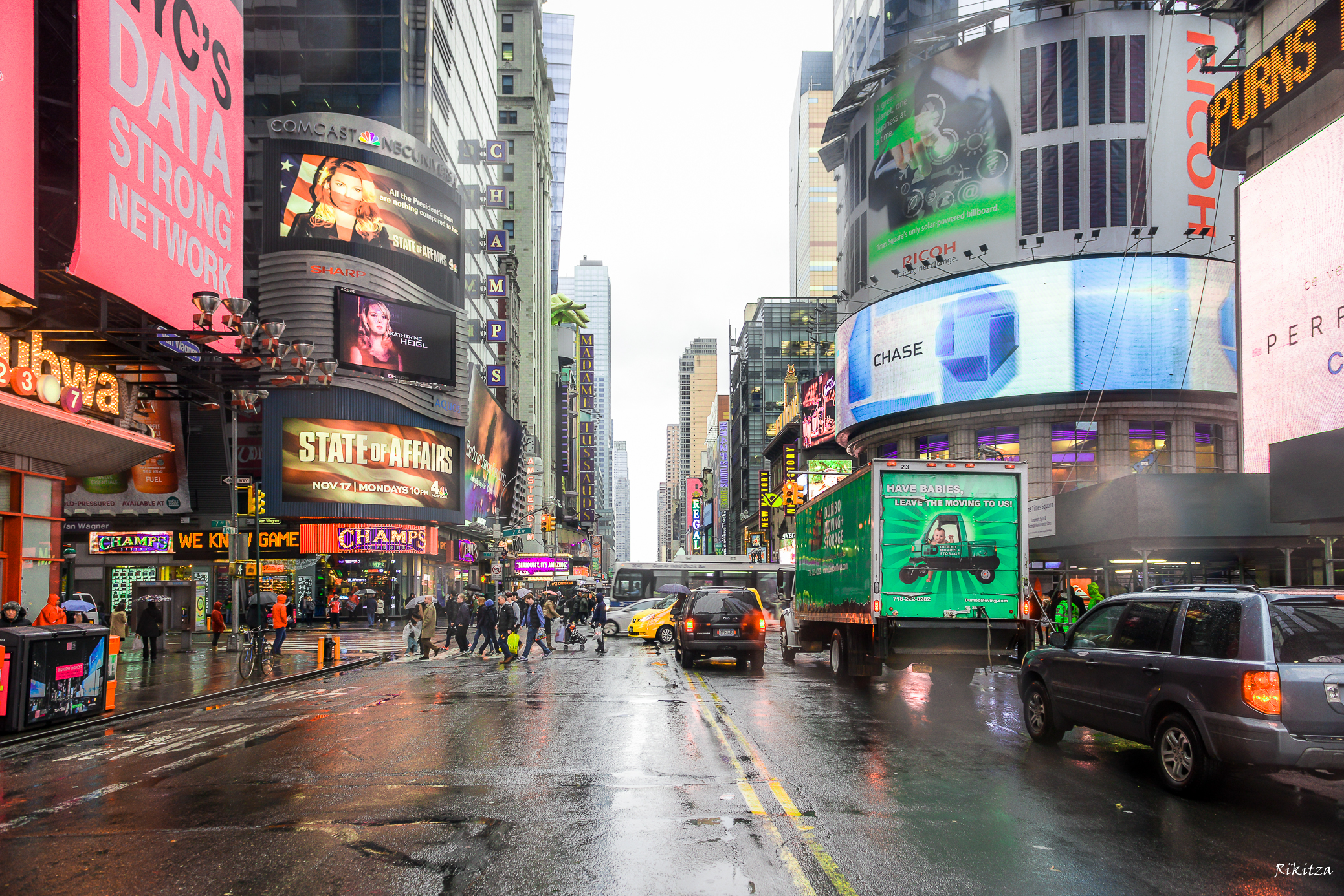 murky sky in NYC by Rikitza