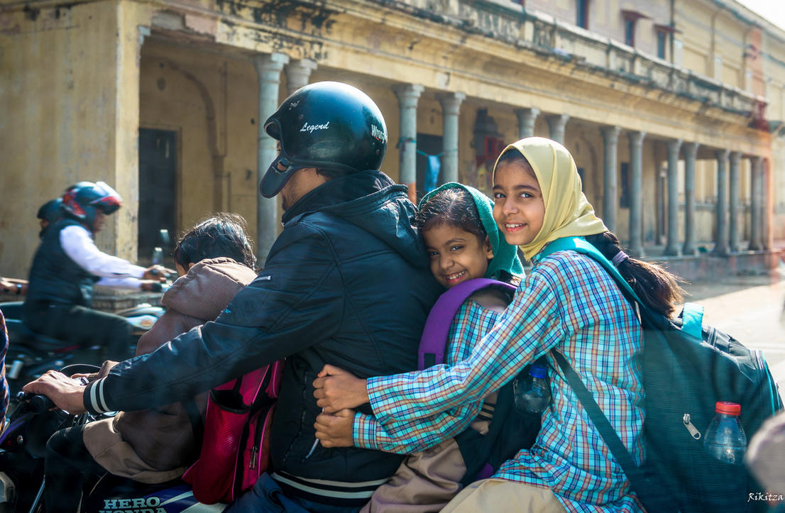 Incredible India - on the moto in Jaipur by Rikitza