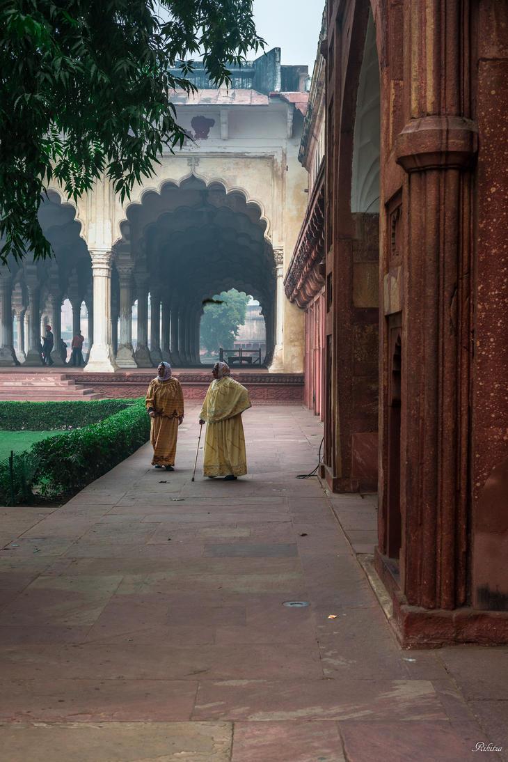 Incredible India - enjoying architecural heritage by Rikitza