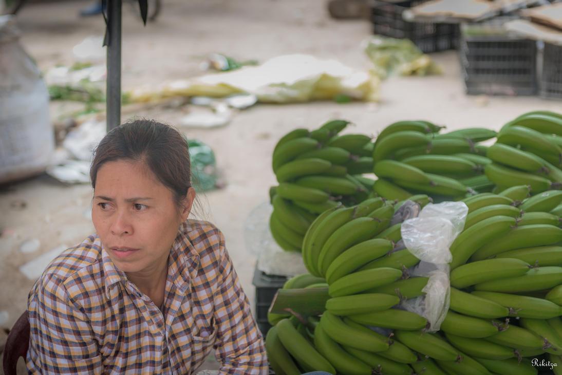 good morning Vietnam - banana seller by Rikitza