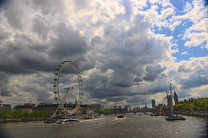 London - Thames view from the bridge by Rikitza