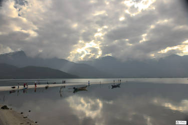 good morning Vietnam - on our way to Da Nang by Rikitza