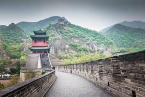 surprising China - walking on the Wall by Rikitza