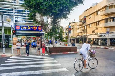 always Tel Aviv - Dizengoff on saturday by Rikitza