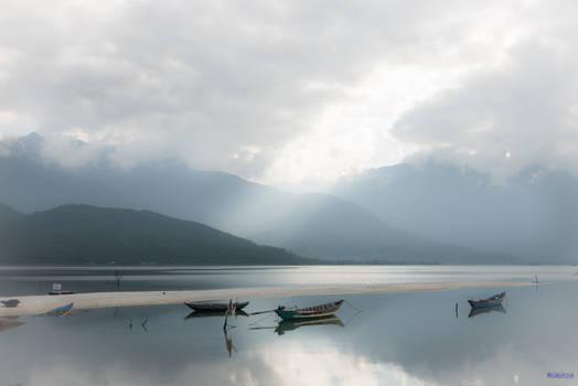 good morning Vietnam - lake on our way