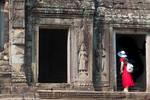 Khmer imperium - Red exploring black hole by Rikitza