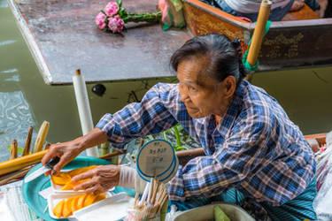 fresh fruits in Bangkok by Rikitza