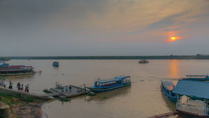 Khmer Imperium - twilight at the MeKong