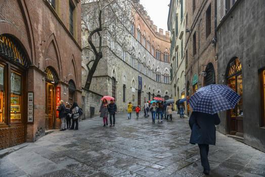 walking in Siena