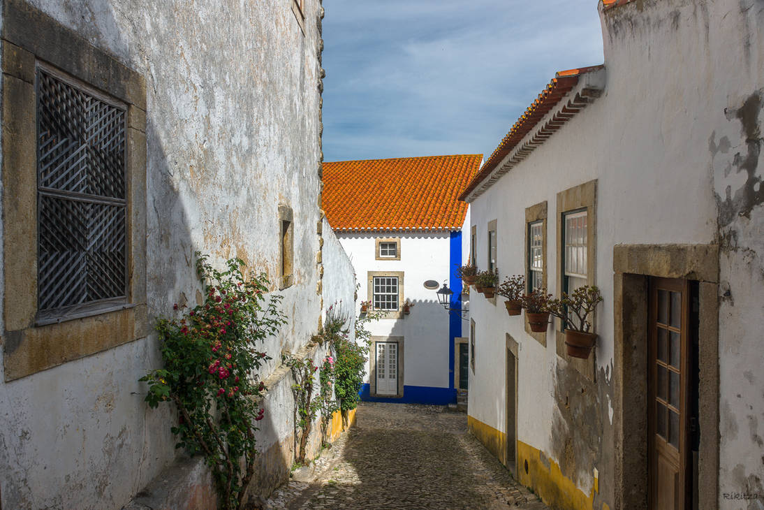 sweet Portugal - alley in Obidos