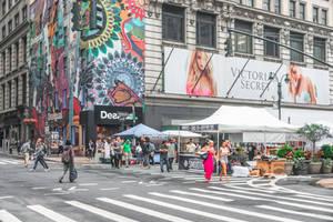colors on Manhattan streets
