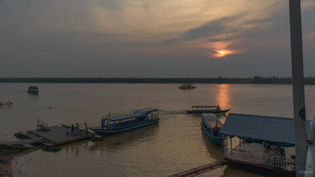 Khmer imperium - evening over the MeKong