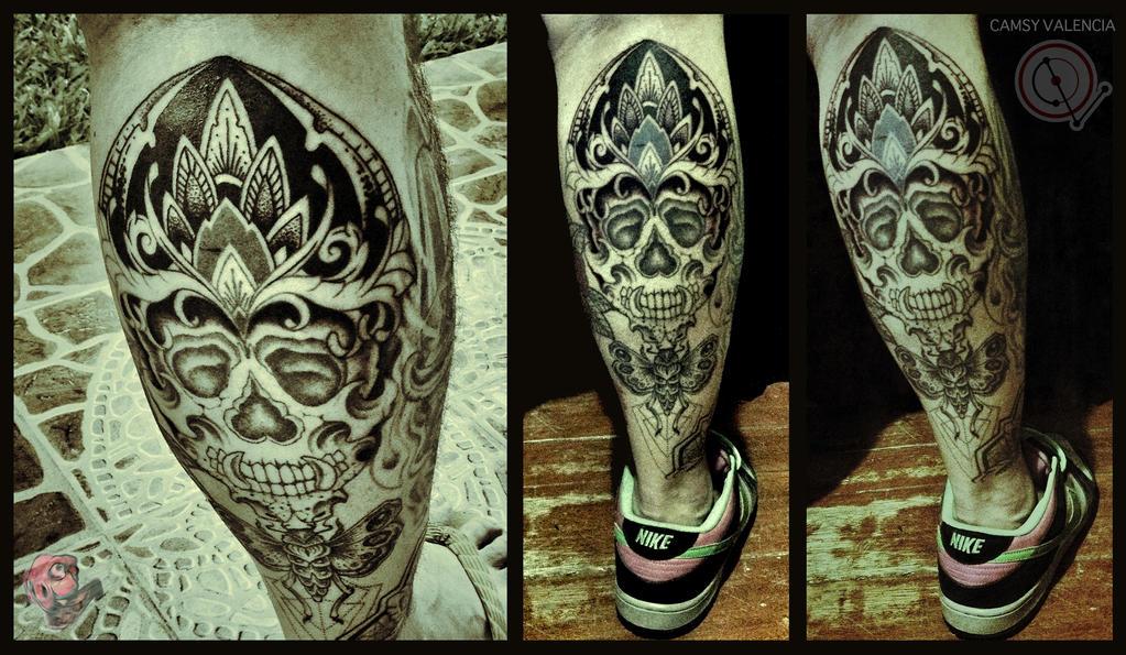fc42afec679e1 Skull and Moth Leg Tattoo by camsy on DeviantArt