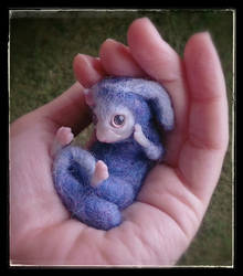 little fantasy mouse by soniaverdu