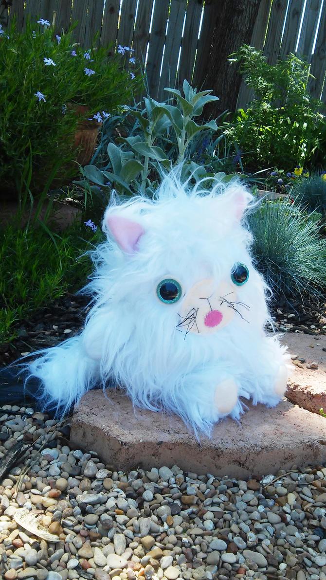 Kitty2white by lumpybits