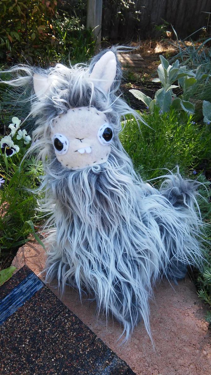 Spencer the Grey Mini Llama by lumpybits
