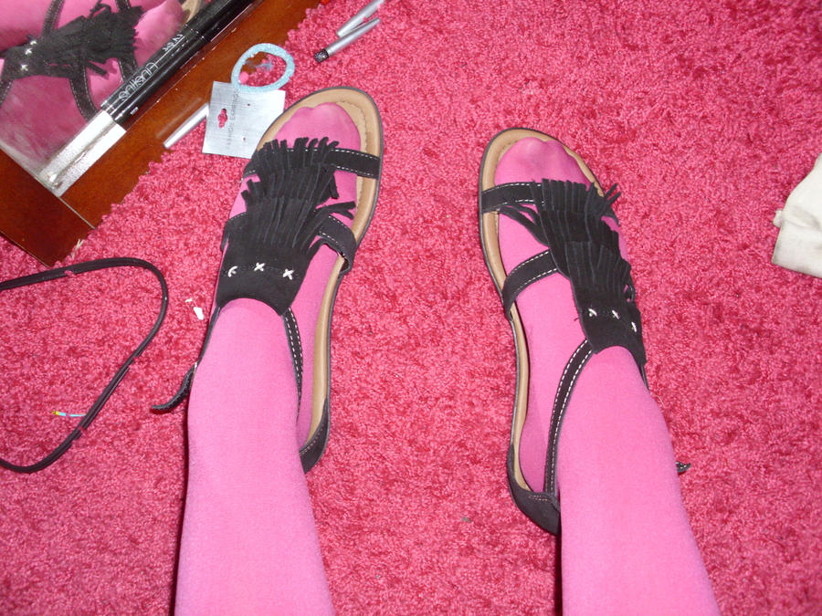 Pink Tights and Black Sandals by ChibiRinzler-Chan on DeviantArt