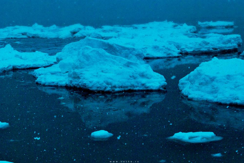 drifting ice by Ketka