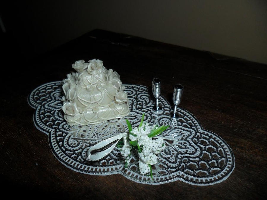Miniature Wedding Cake by kayanah