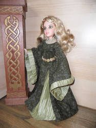 Eowyn's Green Gown by kayanah