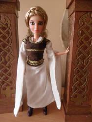 Eowyn's Shieldmaiden gown by kayanah