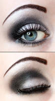 Smokey eye eyeshadow