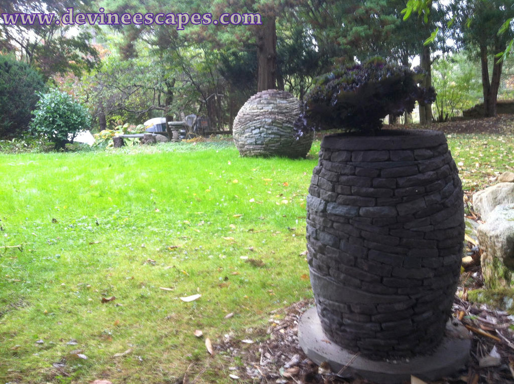 Slate sphere, slate vase, dry stone art in Poconos by Devine-Escapes