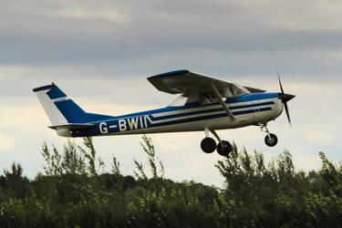 Cessna 150G by SomersetCider