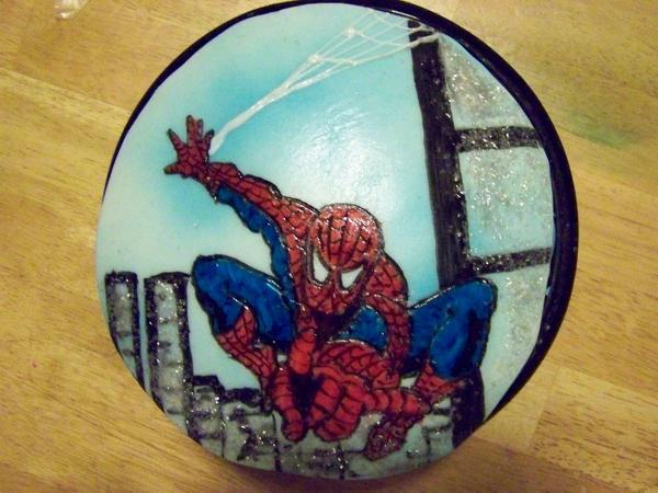 Custom Spiderman Cake by MaxDaMonkey