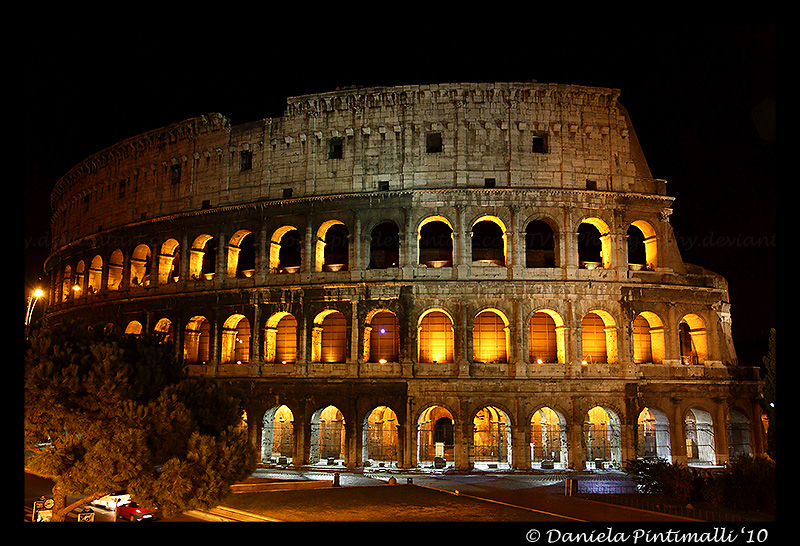 Colosseo by night by TVD-Photography
