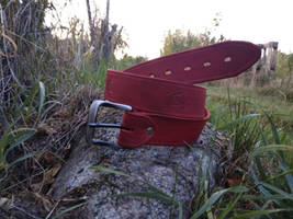 Red horse leather belt