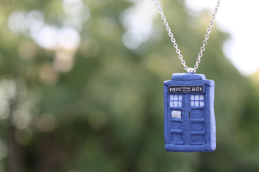 Little TARDIS Necklace by Wulvie-leigh