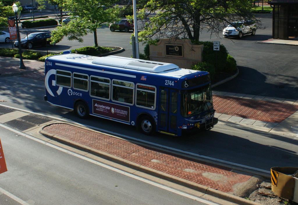 Pace Suburban Bus 2744 by JamesT4