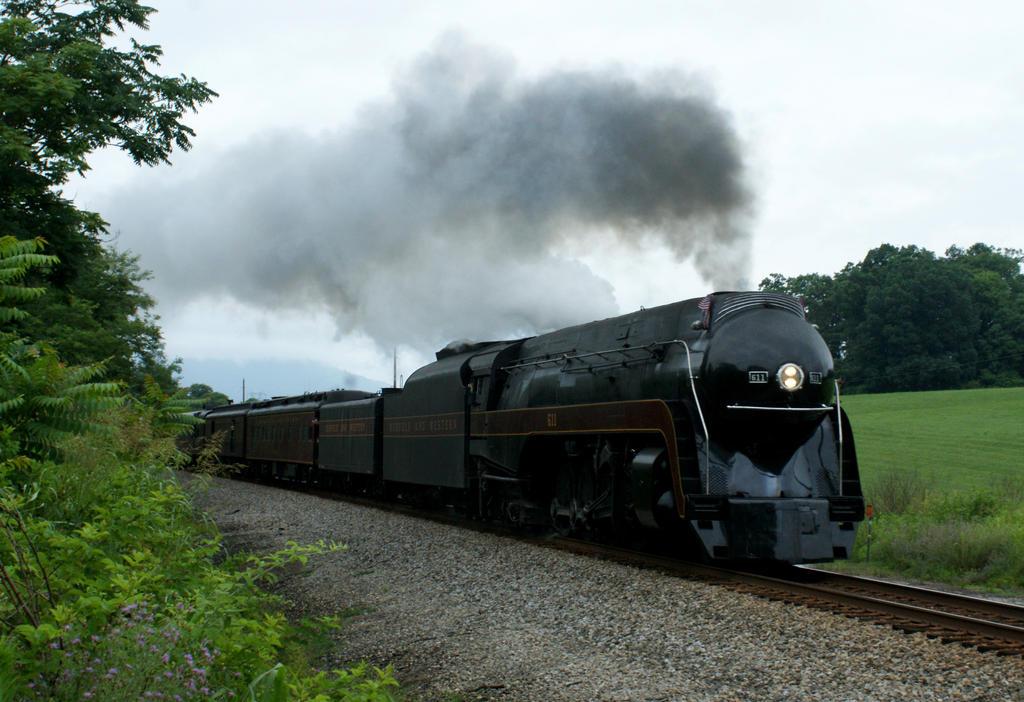 611 Eastward on the Blue Ridge by JamesT4