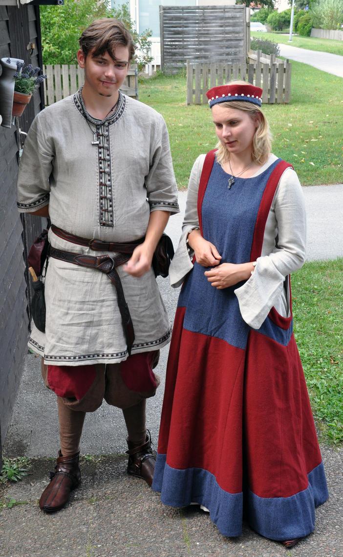 Medieval siblings by Jonzou