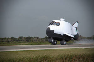 Space Shuttle by Jonnathon